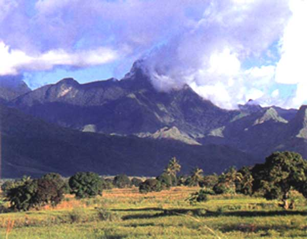 The scenic View of Mount Meru