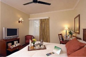 Holiday Inn Nairobi - suite