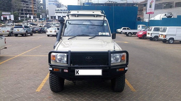 safari landcruiser 2